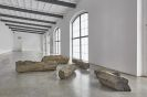 Joseph Beuys - 6 Hasensteine
